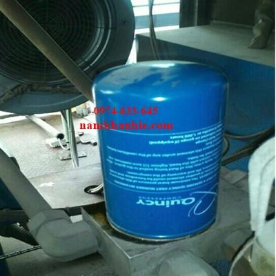 Thay thế lọc tách dầu máy nén khí Quincy QSI-500